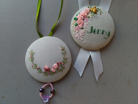 2 Embroidered buttons